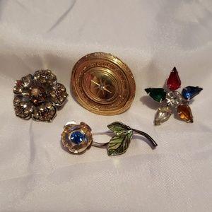 ❤3/$20 item4 vintage pins
